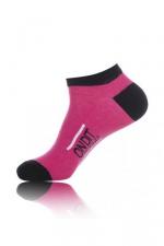 Chaussettes courtes On dit merci qui - rose - Paire de chaussettes pour hommes  On dit merci qui? , par Jacquie et Michel, tige basse, couleur rose.